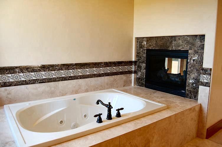 9296 master bath tub